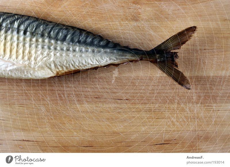 Fisch auf jeden Tisch Lebensmittel Ernährung Abendessen Angeln Küche Meer Räucherfisch Makrele Fischereiwirtschaft Fischmarkt Flosse Schwanzflosse geräuchert