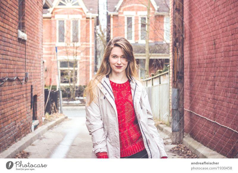 In den Straßen von Toronto Freude Zufriedenheit Ferien & Urlaub & Reisen Städtereise Student feminin Junge Frau Jugendliche Leben 1 Mensch 18-30 Jahre