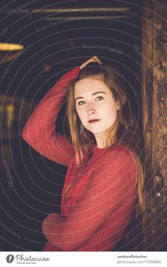 Natürliche Schönheit feminin Junge Frau Jugendliche Leben 1 Mensch 18-30 Jahre Erwachsene Pullover blond langhaarig ästhetisch Coolness elegant schön natürlich