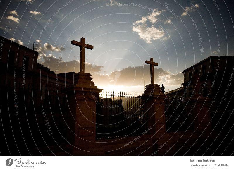 Cruzes en Guanajuato schwarz Erholung hell Stimmung Religion & Glaube gold Hoffnung Kirche Frieden Kultur Unendlichkeit Warmherzigkeit Zeichen leuchten