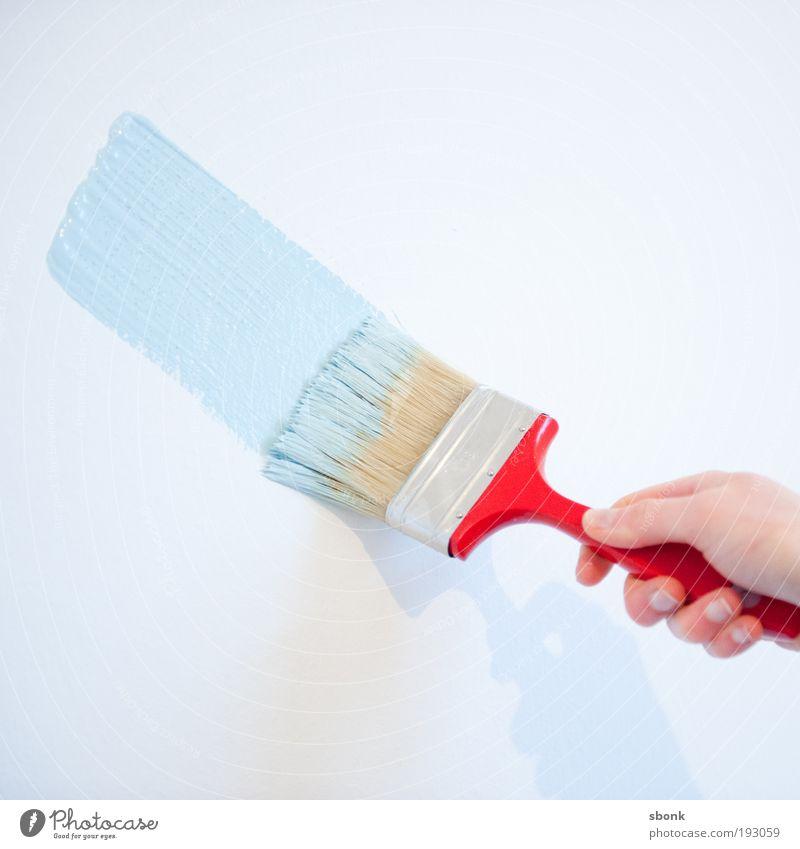 Einfallspinsel Anstreicher streichen blau rot Pinsel Pinselstrich malen Renovieren Wohnung babyblau Umzug (Wohnungswechsel) Farbfoto Innenaufnahme Tag