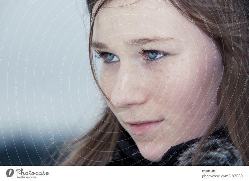Marie III Mensch Jugendliche schön blau Gesicht Auge Leben kalt feminin träumen Denken Zufriedenheit warten Coolness authentisch