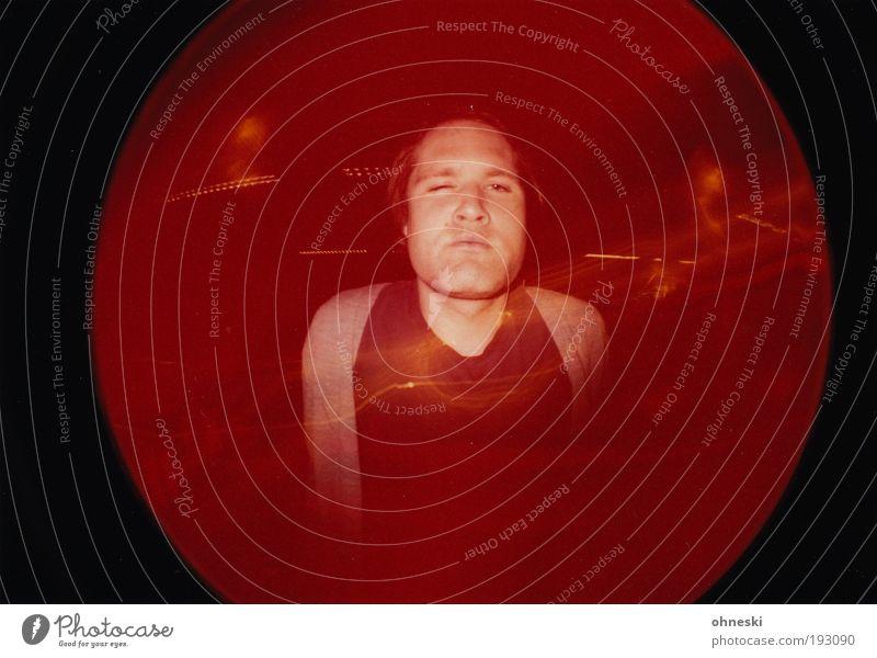 Nicht rot werden! Mensch Mann Erwachsene Gesicht Leben Feste & Feiern maskulin Lifestyle rund Nachtleben verstört ausgehen clubbing Porträt Lomografie