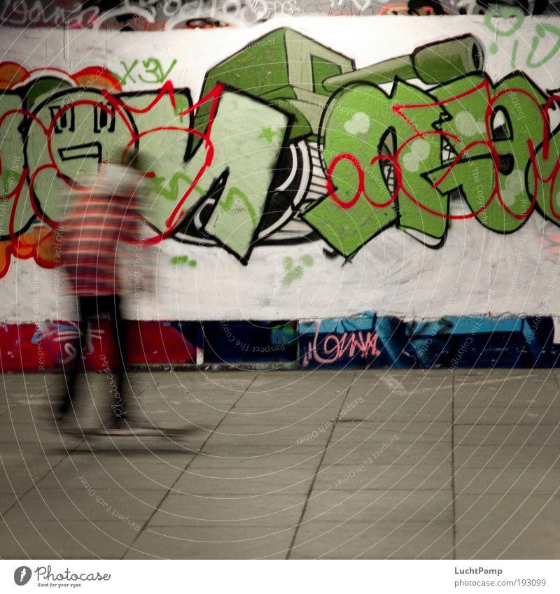 Nicht So Schnell, Jonny! grün Freude Bewegung Graffiti Geschwindigkeit fahren Schriftzeichen einzigartig Lebensfreude Skateboarding Skateboard Bewegungsunschärfe Kunst Freestyle Pflastersteine
