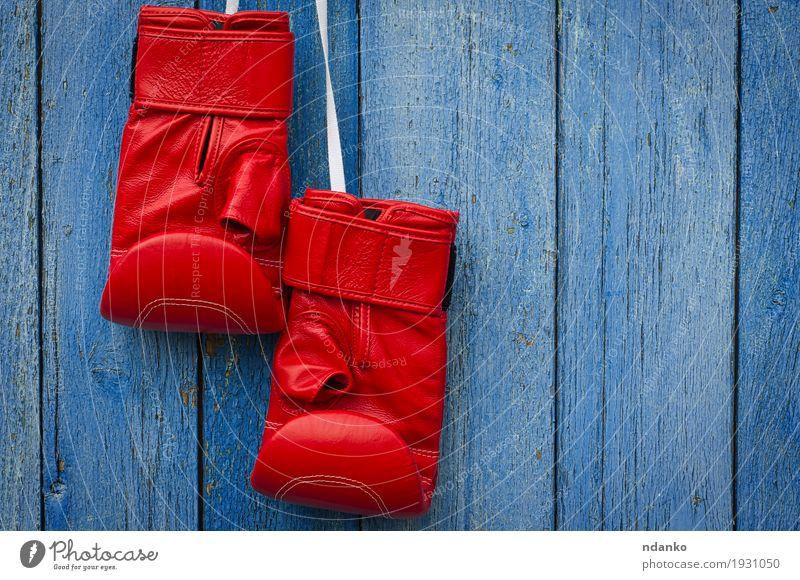 alt blau rot Sport Holz dreckig retro Erfolg Macht Symbole & Metaphern Ring schäbig Entwurf Konkurrenz Leder Handschuhe