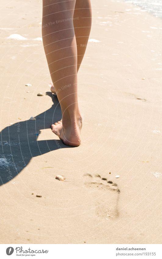 Amrum_6 Mensch Kind Jugendliche Sonne Meer Sommer Strand Ferien & Urlaub & Reisen ruhig Erholung feminin Sand Beine Wellen Küste gehen