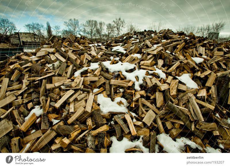 Holz mehrere Bioprodukte Biologische Landwirtschaft Stapel Haufen heizen Brennholz Februar Biomasse Heizperiode