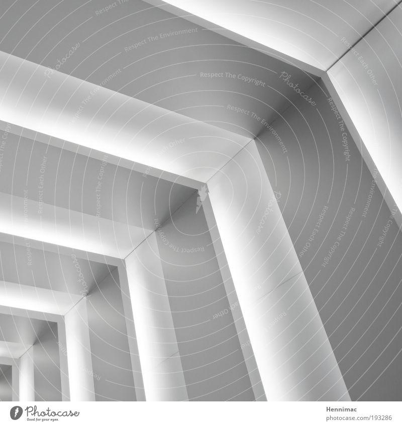 Blickwinkel. weiß schwarz kalt Architektur Holz Bewegung Metall hell Linie Zufriedenheit Raum elegant Fassade Innenarchitektur Design