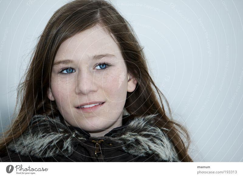 Marie IV Kind Jugendliche schön Himmel blau Winter Gesicht Leben Erholung feminin Glück Denken Eis Zufriedenheit braun
