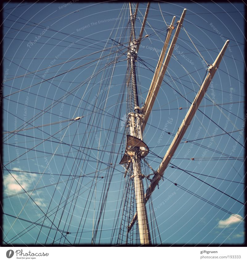 leinen los! Segeln Schifffahrt Kreuzfahrt Jacht Segelboot Segelschiff Wasserfahrzeug Hafen Jachthafen An Bord Ferien & Urlaub & Reisen alt ästhetisch historisch