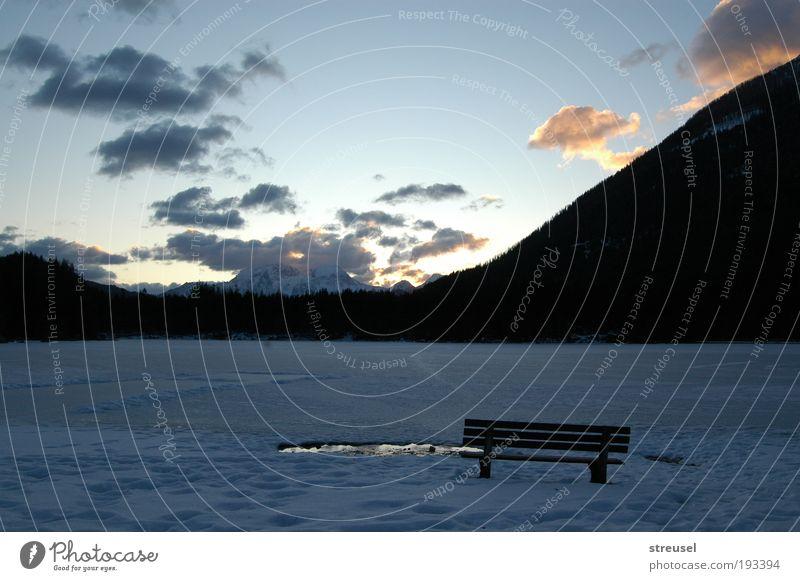 frischer Morgen Natur schön Himmel blau Winter Wolken Einsamkeit kalt Berge u. Gebirge See Landschaft Eis Zufriedenheit wandern Umwelt frei