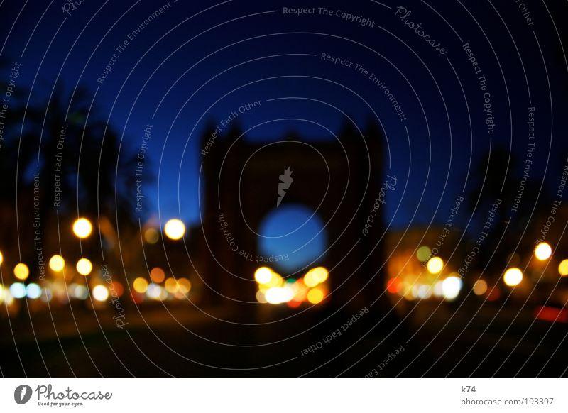 arc de triunfo Bauwerk Architektur Sehenswürdigkeit Wahrzeichen Denkmal leuchten blau Torbogen Beleuchtung Straßenbeleuchtung Farbfoto Außenaufnahme Abend