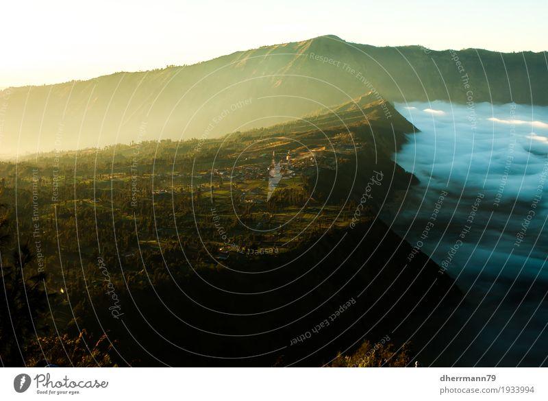 Sonnenaufgang am Bromo Tengger Semeru National Park Natur Ferien & Urlaub & Reisen Landschaft Wolken Ferne Berge u. Gebirge Tourismus Sand Luft Erde wandern