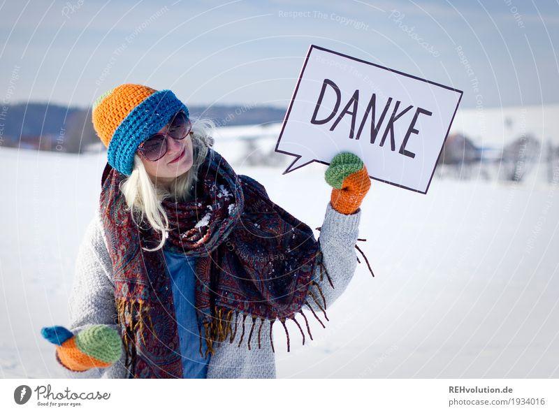 Jule | Danke Mensch Frau Himmel Natur Jugendliche Junge Frau weiß Landschaft Winter 18-30 Jahre Erwachsene Umwelt Schnee feminin außergewöhnlich Schriftzeichen