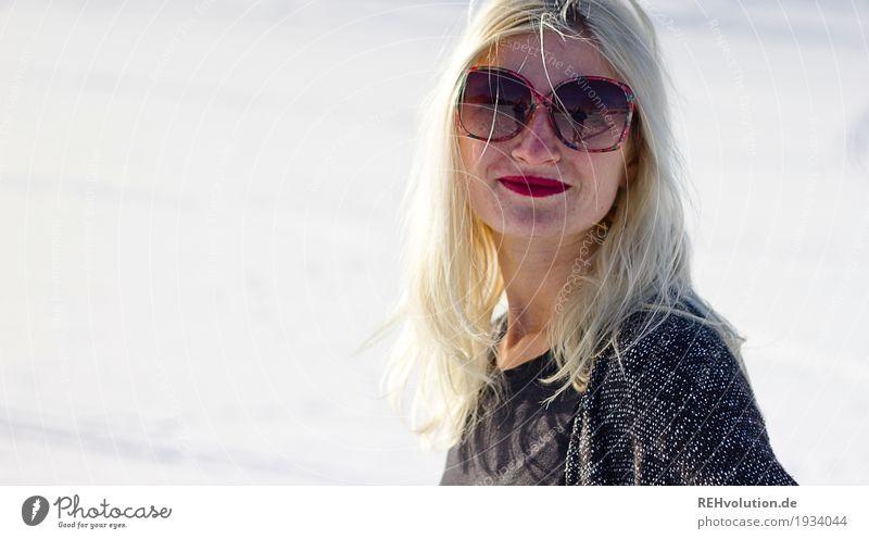 Jule | im schnee Stil schön Lippenstift Mensch feminin Junge Frau Jugendliche Erwachsene Gesicht 1 18-30 Jahre Winter Schönes Wetter Eis Frost Schnee