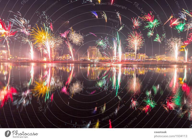 Feuerwerk über Duhnen Sekt Prosecco Champagner Strand Meer Feste & Feiern Silvester u. Neujahr Wasser Winter Küste Cuxhaven Skyline Fröhlichkeit Glück Erfolg