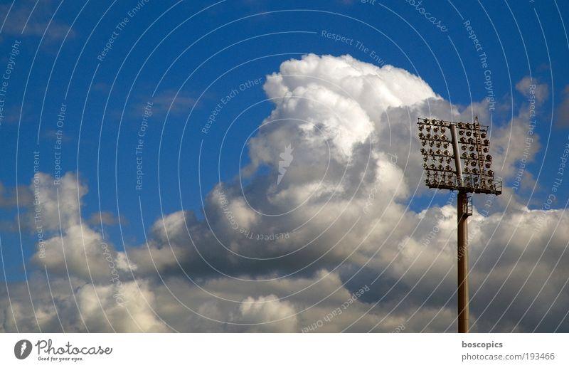 Samstag Himmel Freude Wolken Stimmung Erfolg Freizeit & Hobby Stadion Fußballplatz Sportplatz Licht Ballsport Bundesliga Sportstätten Meisterschaft