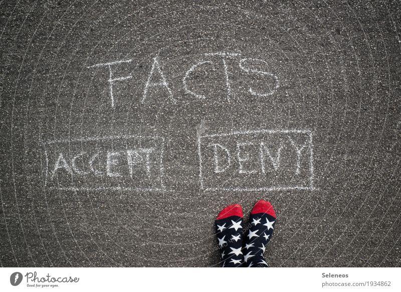 Denial sprechen Graffiti Fuß Schriftzeichen Kommunizieren Schilder & Markierungen lernen Hinweisschild Zeichen Konflikt & Streit Strümpfe falsch Weisheit klug