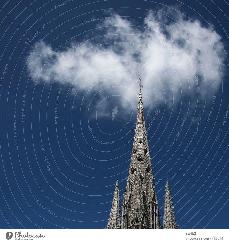 Wolkenkratzer alt Himmel weiß blau Sommer grau Gebäude Religion & Glaube Architektur hoch Kirche Turm Klima Spitze Christliches Kreuz