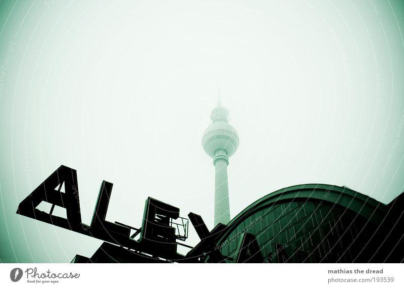 ALEXA Fernseher Technik & Technologie Fortschritt Zukunft Berliner Fernsehturm Stadt Hauptstadt Stadtzentrum Skyline Menschenleer Bahnhof Bauwerk Gebäude