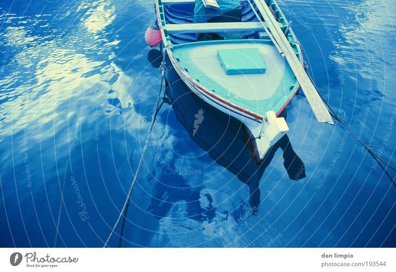 fischerboot Wasser blau Sommer Meer Wellen nass Güterverkehr & Logistik Hafen analog Schönes Wetter Arbeitsplatz Kanaren Fischerboot Textilien Sport Spanien