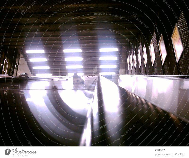 rolltreppe2 Dinge U-Bahn abwärts