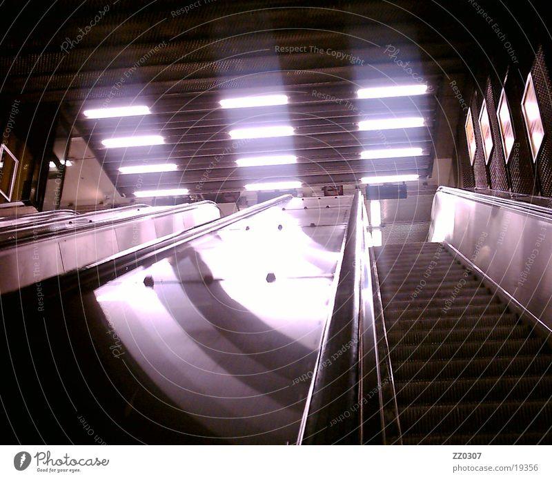 rolltreppe3 Dinge U-Bahn abwärts