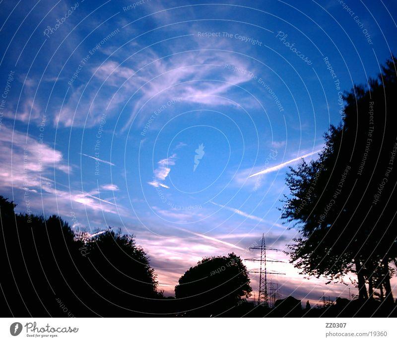 Himmel2 Wolken Dämmerung Sonnenuntergang Baum Abend Schatten blau