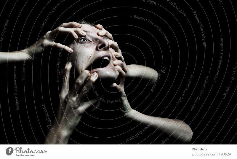 Du entkommst niemals Mensch Junge Frau Jugendliche Leben Gesicht Hand 18-30 Jahre Erwachsene bedrohlich dunkel Ekel gruselig verrückt Schmerz Angst Entsetzen