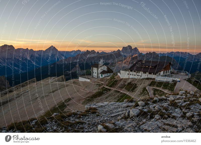 Dolomiten, Lagazuoi Ferien & Urlaub & Reisen Ausflug Abenteuer Ferne Freiheit Sommerurlaub Sonne Berge u. Gebirge wandern Natur Landschaft Wolkenloser Himmel