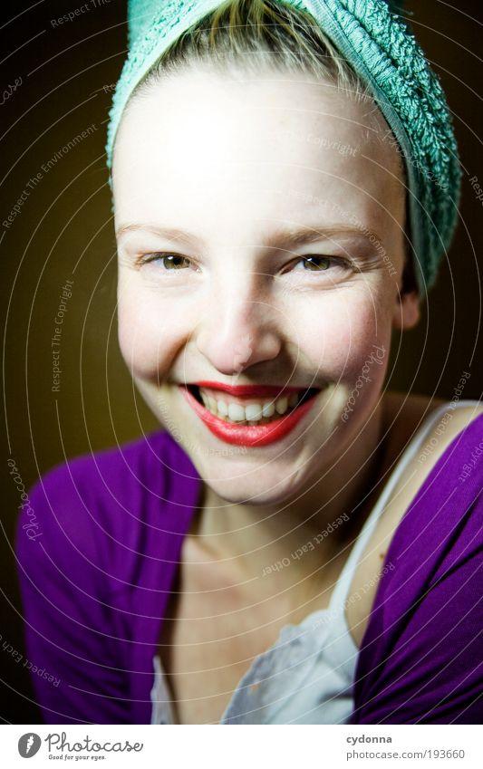 Wir werden ja alle nicht jünger Mensch Frau Jugendliche schön Freude Gesicht Erwachsene Leben Freiheit Haare & Frisuren Glück Stil träumen Gesundheit