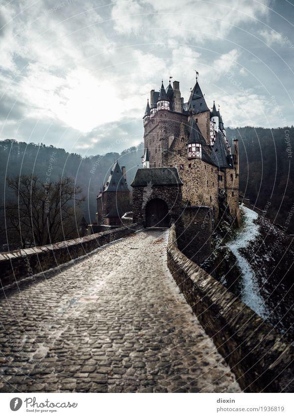 what eltz?! [6] Tourismus Ausflug Abenteuer Sightseeing Winter Menschenleer Burg oder Schloss Turm Tor Bauwerk Gebäude Architektur Mauer Wand Sehenswürdigkeit