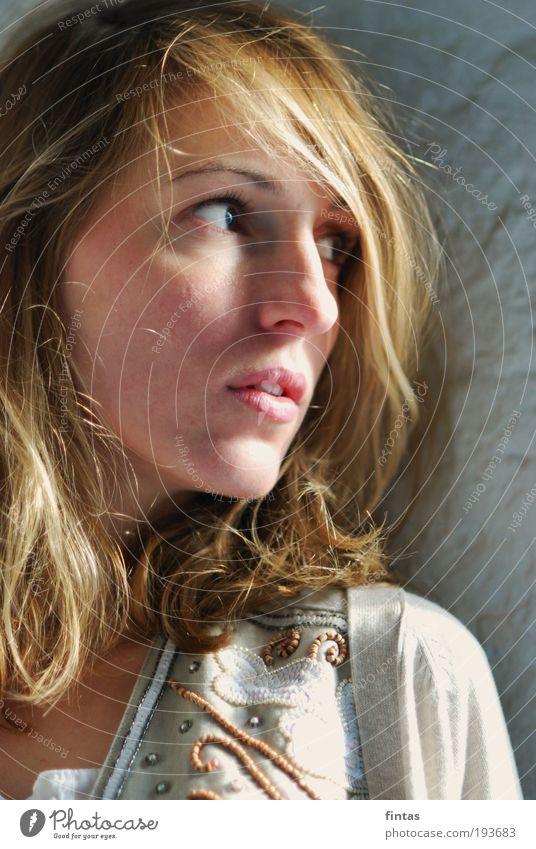erste Sonne. Mensch Jugendliche schön ruhig Erwachsene feminin blond natürlich 18-30 Jahre Sehnsucht Porträt