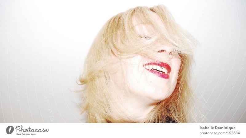 ab geht´s Gesicht Lippenstift Mensch feminin Junge Frau Jugendliche Kopf Haare & Frisuren 1 18-30 Jahre Erwachsene Tanzen Piercing blond drehen Feste & Feiern