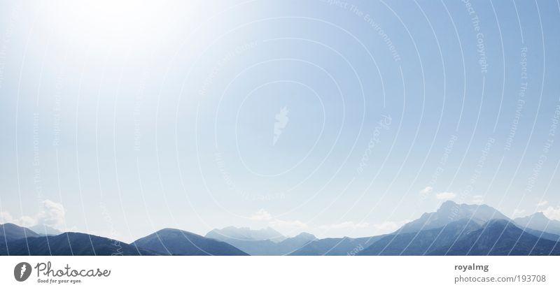 Hinter den 7 Bergen Himmel Natur blau Sonne Sommer Wolken Erholung Umwelt Landschaft kalt Berge u. Gebirge Wärme Luft hell Erde Wetter