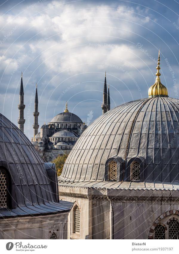Blaue Moschee Himmel blau Stadt weiß Wolken schwarz Architektur Gebäude Fassade gold Europa Schönes Wetter Turm Dach Bauwerk Sehenswürdigkeit