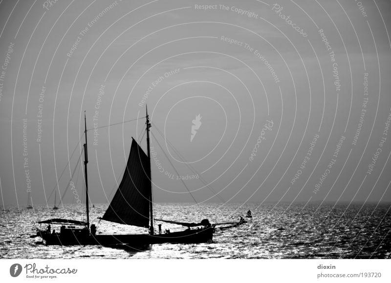 Nimm mich mit, Kapitän, auf die Reise! Himmel Ferien & Urlaub & Reisen Sonne Meer Ferne Freiheit Küste Wasserfahrzeug Wetter Wellen Wind Freizeit & Hobby Abenteuer Tourismus Seil Schönes Wetter