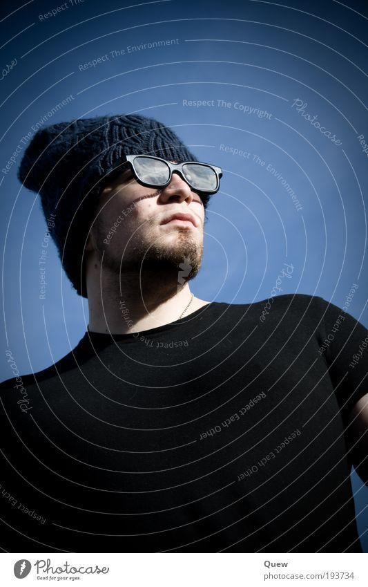 Freak Mensch maskulin Junger Mann Jugendliche Erwachsene 1 18-30 Jahre Himmel Wolkenloser Himmel T-Shirt Brille Mütze lustig nerdig blau schwarz einzigartig