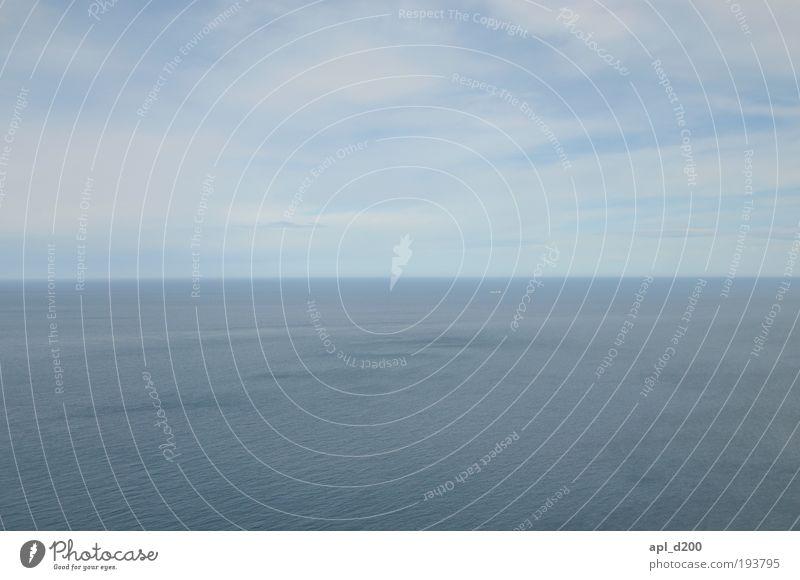 Meer mit Schiff Himmel Natur Wasser blau Sommer Ferien & Urlaub & Reisen Ferne Freiheit Umwelt Wetter Zufriedenheit Tourismus ästhetisch Klima Hoffnung