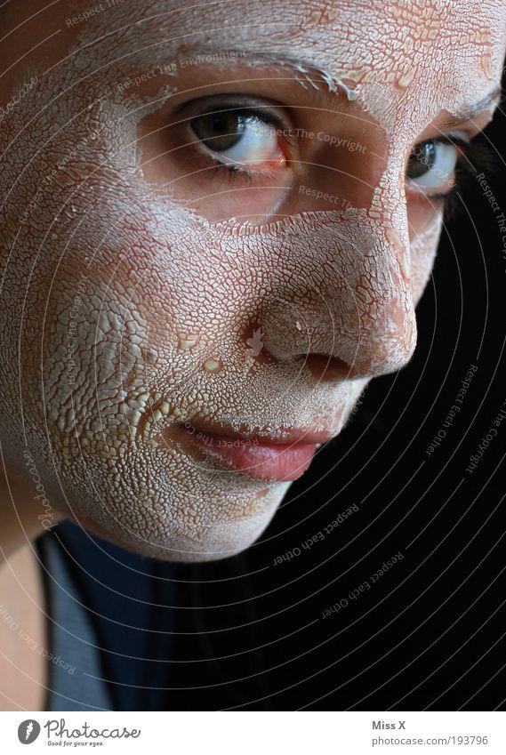 Schuppen? Mensch Jugendliche schön Gesicht feminin Haut Erwachsene Wellness Maske trocken Kosmetik Körperpflege hässlich Tier Junge Frau Porträt