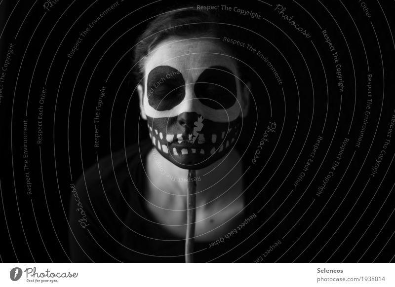 Gruselzeit Körper Gesicht Karneval Halloween Mensch feminin Frau Erwachsene Kopf Auge Ohr Nase Mund Zähne 1 Maske gruselig Sorge Trauer Tod Schmerz Enttäuschung