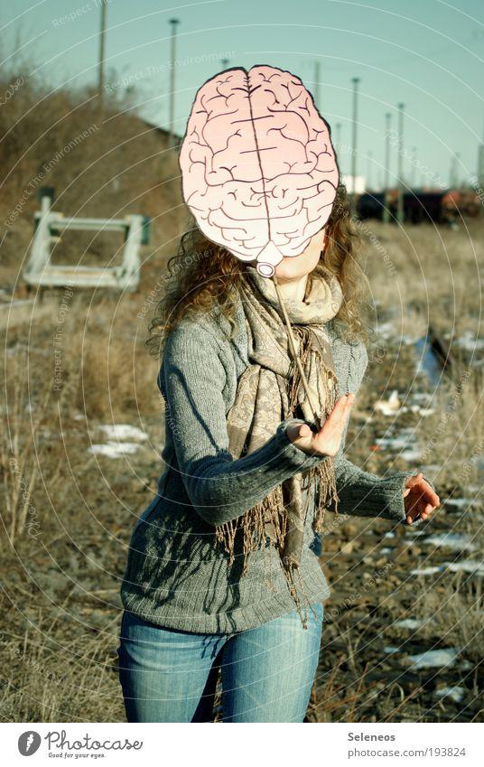 Wissen ist alles Mensch Himmel Natur Hand Pflanze Ferien & Urlaub & Reisen Gesicht Umwelt Kopf Haare & Frisuren lachen Denken Arme Ausflug verrückt Jeanshose