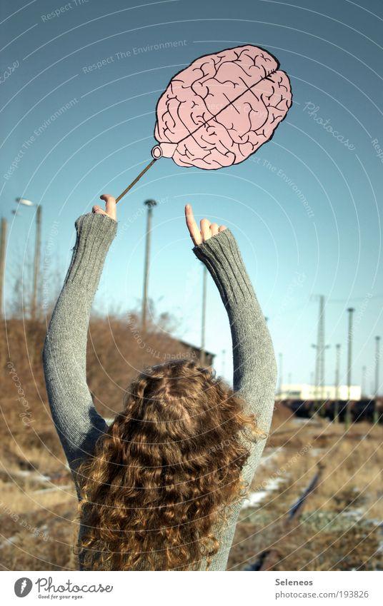 nur Luft im Kopf Mensch Haare & Frisuren Rücken Arme Finger Umwelt Natur Himmel Pflanze Schienenverkehr Gleise Bekleidung Pullover brünett Locken