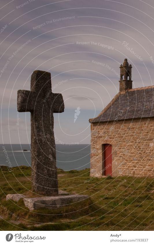 im Bann des Kreuzes Himmel Meer Ferien & Urlaub & Reisen Landschaft Religion & Glaube Küste Horizont Christliches Kreuz Frankreich mystisch Sehenswürdigkeit