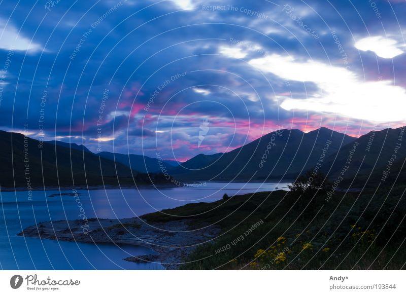 Dämmerung im Nirgendwo Himmel Natur Wasser blau Pflanze Ferien & Urlaub & Reisen Wolken Ferne Berge u. Gebirge Landschaft See Wetter Tourismus Seeufer