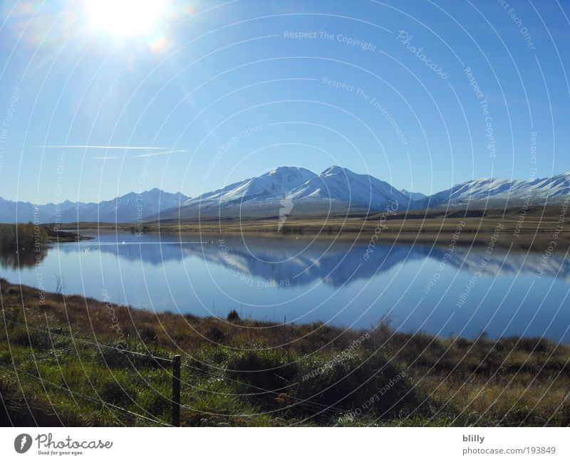 Sunshine over Lake Clearwater Natur Himmel Sonne blau Berge u. Gebirge See Zufriedenheit hell Küste ästhetisch Alpen Schönes Wetter Gletscher Gewässer