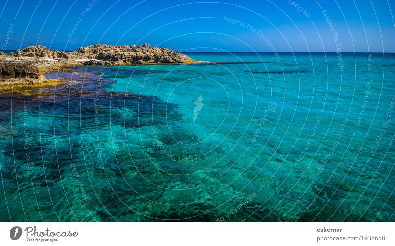 Meer Himmel Natur Ferien & Urlaub & Reisen blau Sommer schön Wasser Sonne Landschaft ruhig Strand Küste Tourismus Felsen Horizont
