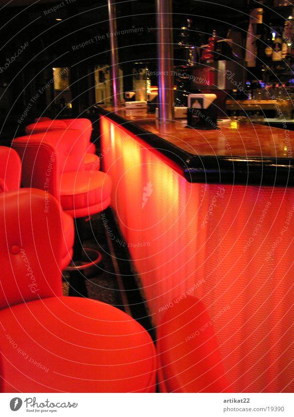 Anderbar Disco Bar Club Getränk Nachtleben rot Licht ausgehen Tanzlokal Ambiente Alkohol Tanzen Freude Innenarchiketur