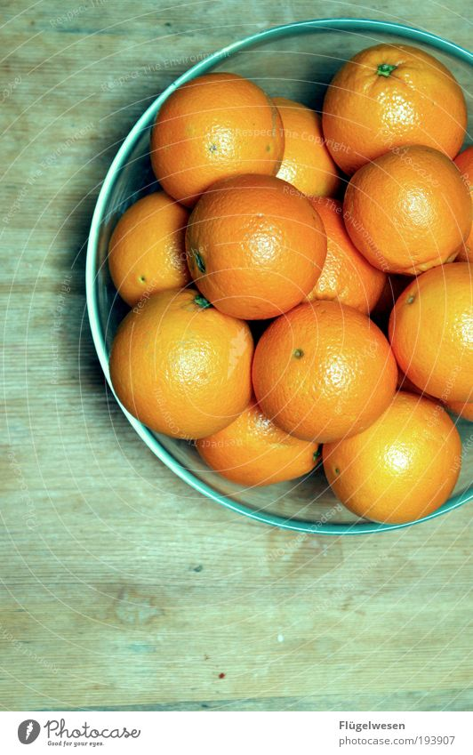 O-Saft Rohlinge schön Sonne Lifestyle Lebensmittel Frucht orange Ernährung Orange Tisch genießen süß Schalen & Schüsseln saftig Erfrischungsgetränk