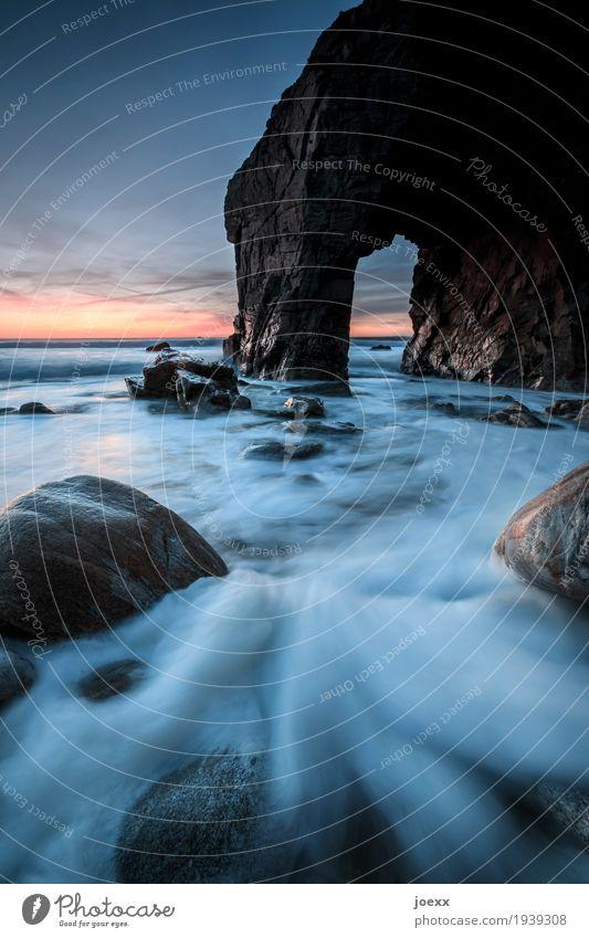 Meerweh Landschaft Himmel Horizont Sonnenaufgang Sonnenuntergang Schönes Wetter Felsen Wellen Küste Quiberon maritim nass wild blau braun orange schwarz Fernweh